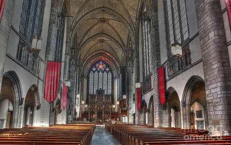 Rockefeller Chapel: spectacular site of Mount Carmel's graduation