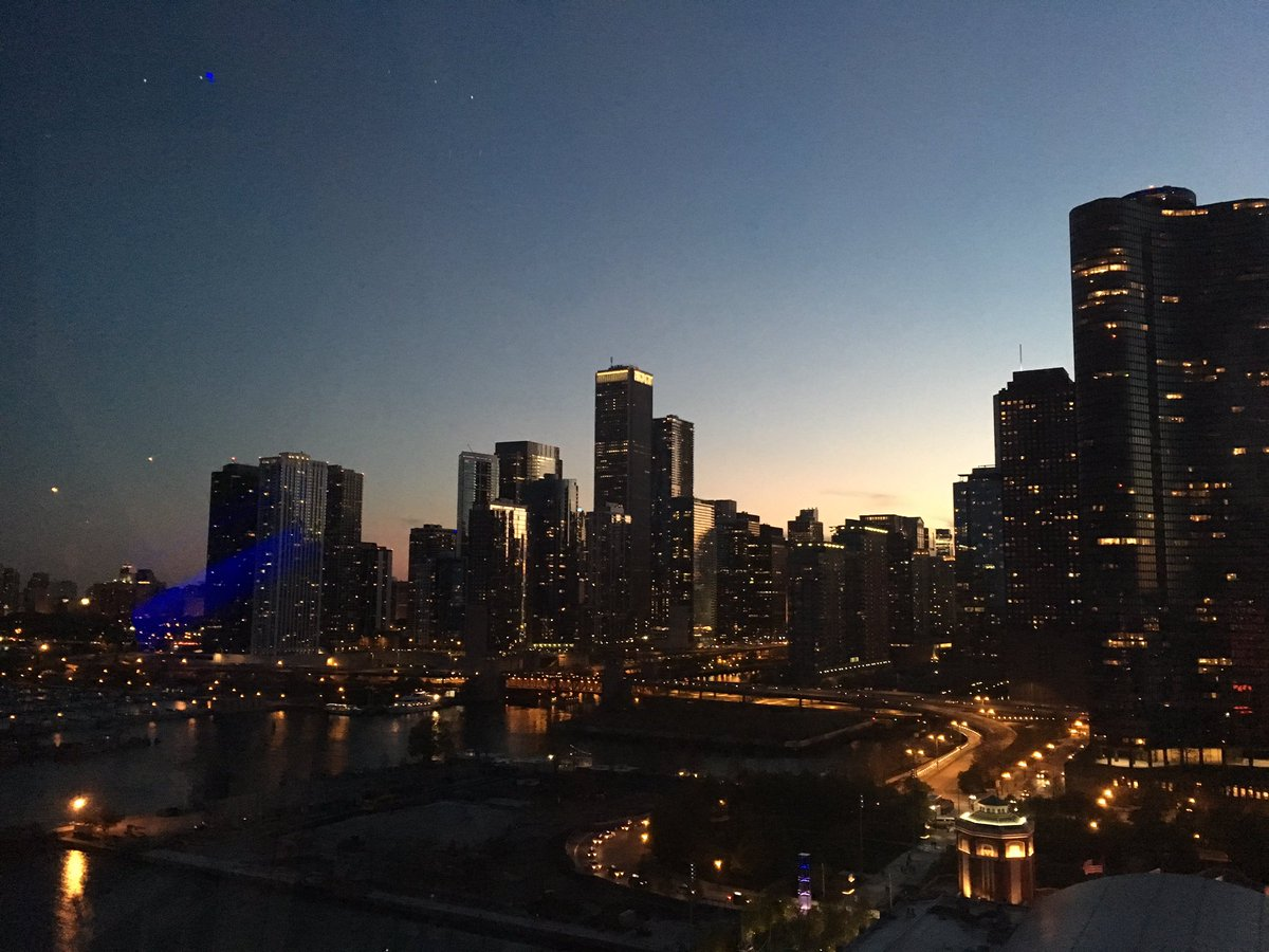 Prom+was+held+at+Navy+Pier+in+downtown+Chicago%2C+which+features+a+beautiful+view+of+the+city%27s+skyline.+%28Photo+credit%3A++Mr.+Sean+Sweany%29