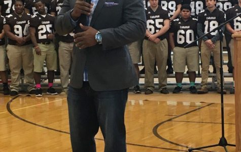 McNabb comes home to present golden football