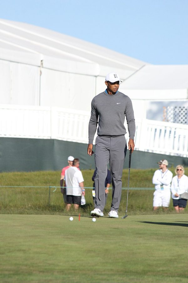 Tiger+Woods%27+involvement+promises+to+generate+interest+in+the+redevelopment+of+Jackson+Park%27s+golf+course.++%28Photo+credit%3A++Peter+Brown+via+Wikimedia+Commons+under+Creative+Commons+license.%29
