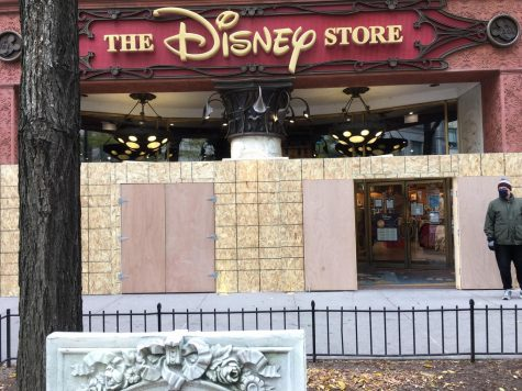 Disney Store Boarded Up